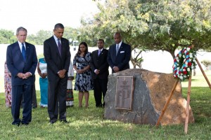 Presidents Obama and Bush pay their respects for the 1998 US Embassy bomb victims