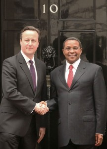 Kikwete and Cameron outside No 10 Downing Street
