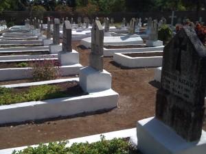 Tengeru graveyard - Photo Adam Bemma http://adambemma.com/