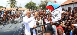 Edward Lowassa campaigning on the CHADEMA ticket