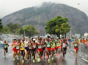 Alphonce Felix Simbu (extreme left) in the Rio marathon